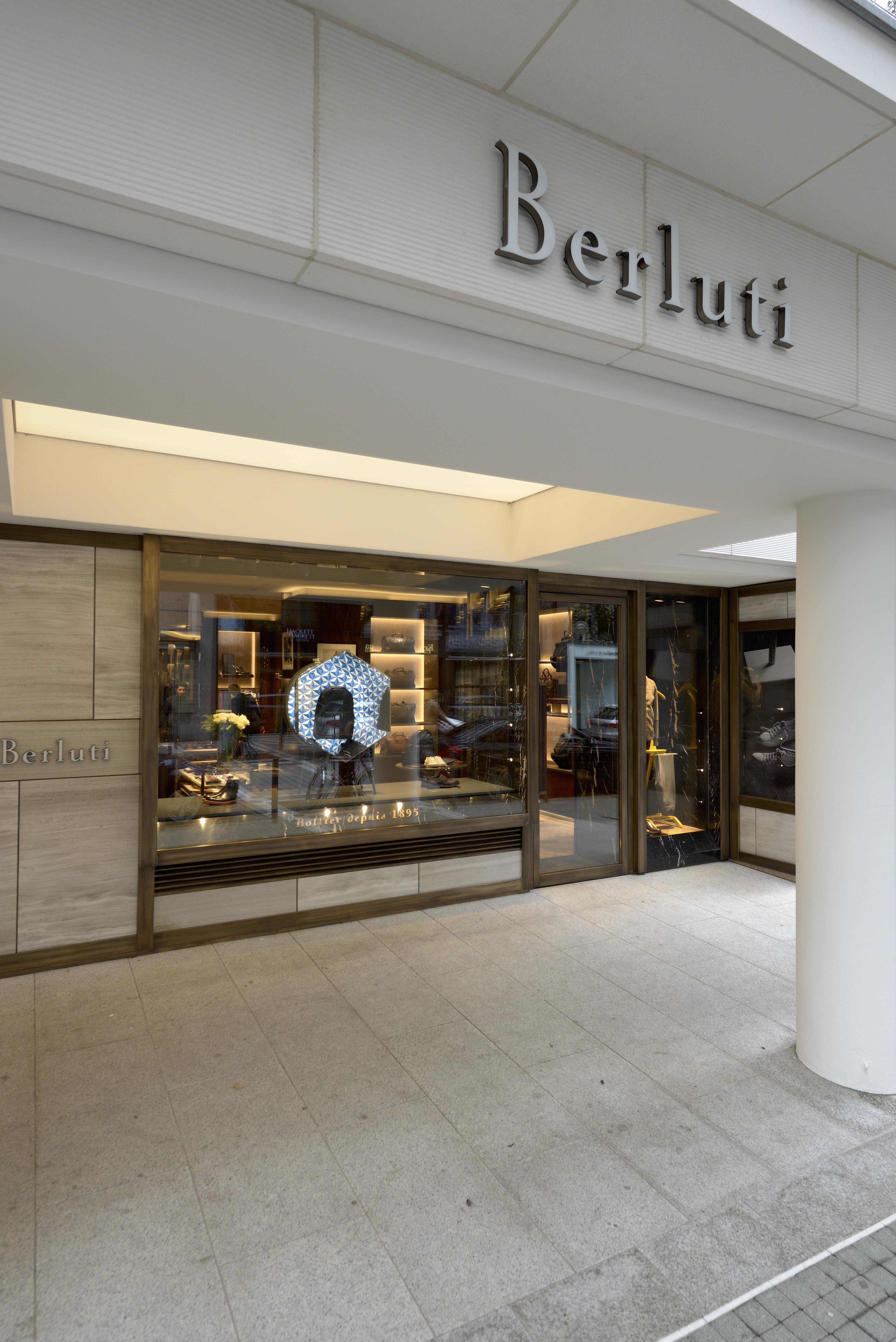 Kauft Ein Ein Aus Frankfurt Berluti Dem Location gbf6yY7